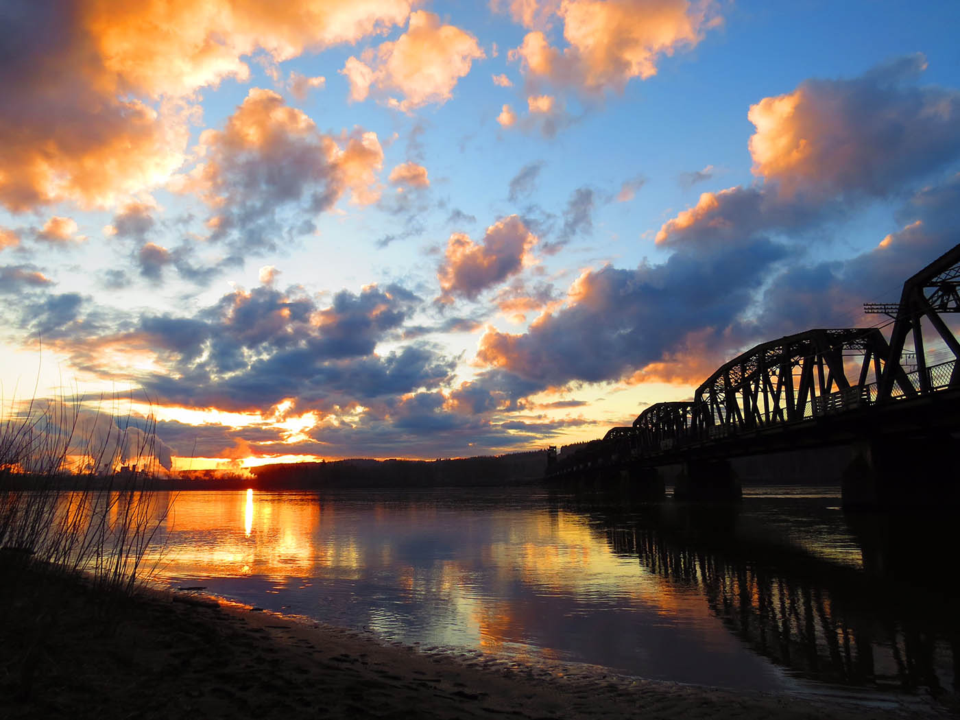 Picture of Sunset on the Nechako River - Photo by Chuck Chin